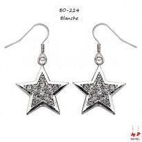 Boucles d'oreilles pendantes étoiles argentées serties de strass blancs