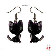 Boucles d'oreilles pendantes à chats noirs et roses