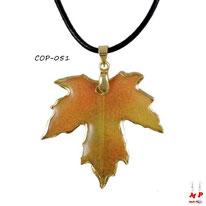 Collier à pendentif feuille d'automne et son cordon noir