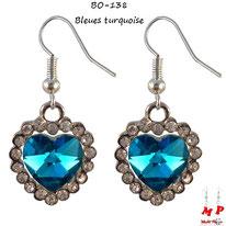 Boucles d'oreilles pendantes coeurs bleus turquoise et strass