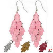 Boucles d'oreilles pendantes multi-mains de Fatma roses