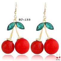 Boucles d'oreilles pendantes cerises rouges et dorées