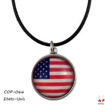 Collier à pendentif rond à drapeau des Etats-Unis sous dôme en verre