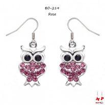 Boucles d'oreilles pendantes hiboux argentés sertis de strass roses