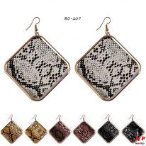 Boucles d'oreilles pendantes carrées dorées motif peau de serpent 4 couleurs