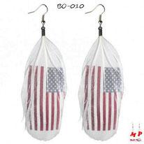Boucles d'oreilles plumes blanches et drapeau des USA
