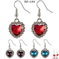 Boucles d'oreilles pendantes coeur de l'océan rouges, violets et bleus turquoise avec strass