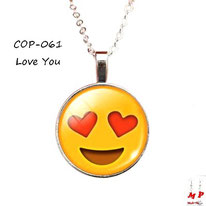 Collier à pendentif emoji love you