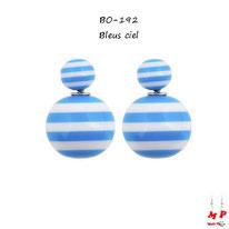 Boucles d'oreilles double perles rayées bleues ciel et blanches