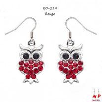 Boucles d'oreilles pendantes hiboux argentés sertis de strass rouges