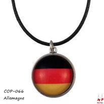 Collier à pendentif rond modèle drapeau de l'Allemagne en verre