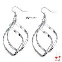 Boucles d'oreilles pendantes torsadées argentées