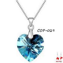 Collier à pendentif coeur bleu et argenté