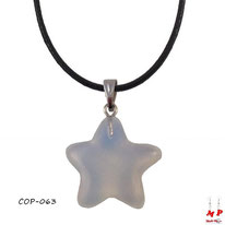 Pendentif étoile en pierre opale blanche