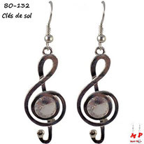 Boucles d'oreilles pendantes clé de sol argentées