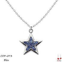 Collier à pendentif étoile argentée sertie de strass bleus
