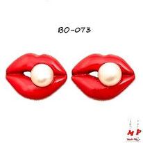 Boucles d'oreilles bouches rouges et perles nacrées