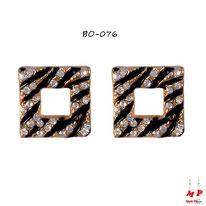 Boucles d'oreilles carrées trouées motif zébré doré et noir serties de strass
