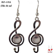 Boucles d'oreilles pendantes clés de sol argentées