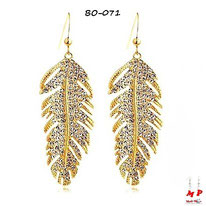 Boucles d'oreilles pendantes plumes dorées serties de strass en métal