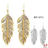 Boucles d'oreilles pendantes plumes en métal serties de strass dorées ou argentées