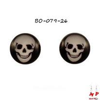 Boucles d'oreilles logo tête de mort blanche sur fond noir en acier chirurgical