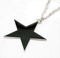 Collier à pendentif étoile noire