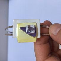 Bracelet métal et verre - 23€.  Référence : DPVJHA03D