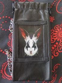 brillenetui aus Leder mit einem Bild eines Hasen