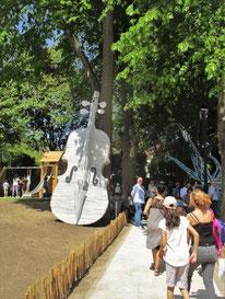 violoncelle géant - Roman GORSKI et les enfants du centre social Georges Pompidou de Taverny