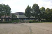 Dorfgemeinschaftshaus mit Sporthalle
