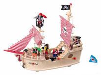 Bateau de pirate en bois