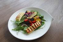 Halloumi Wildkräuter Salat - Mädchenvöllerei Pi mal Butter Food Blog Saarland Kochen Rezepte Cooking Cook