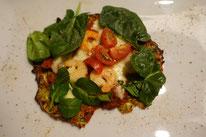 Zucchini-Pizza mit Garnelen und Spinat Pi mal Butter Mädchenvöllerei Food Blog Rezept Saarland