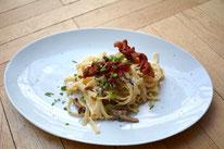 Pasta Pfifferlinge Pilze Bacon speck Sahne