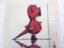 tela niña con chubasquero y paraguas rojos
