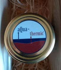 Aufkleber mit Firmenlogo (Beispiel mit Erlaubnis von Aqua-Thermic. Webseite: www.aqua-thermic.com)