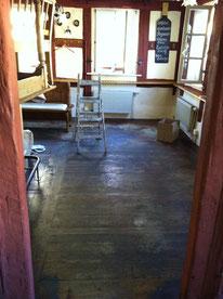 Aufbereitung eines alten Dielenbodens.