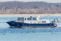 """Zollboot """"Hochwart"""" (Ex-""""Kuhwerder-"""", Hamburg) auf dem Untersee (Bodensee)."""