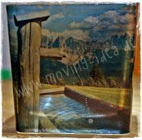 Beispiel: Glas-Windlicht mit eigenem Urlaubsfoto als Weihnachtsgeschenk. Das Windlicht kann auf den verbleibenden Seiten mit alternativen Papieren und Servietten individuell gestaltet werden.