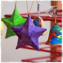 Weihnachtsbaumschmuck selber machen am 15. Dezember 2016 im Familienzentrum Villip