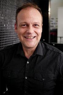 Portraitphoto von Axel Drewes, Inhaber und Friseurmeister