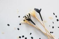 Bild: DIY Party Deko zum selber machen vom DIY Deko Blog Partystories - DIY Cocktailstäbchen aus Seidenpapier basteln Anleitung