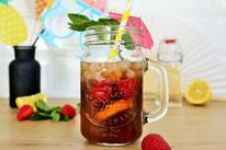 Bild: Rezept für eine fruchtige Kaffee Limonade im Sommer, perfelt als alkoholfreier Cocktail im Sommer, für eine Grillparty, Gartenparty, den JGA, die Bridal Party, eine Babyshower oder einfach nur so als Coffee Cocktail