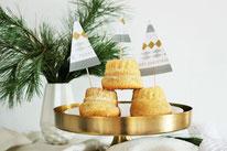 Bild: DIY Winter Deko - Tannenbaum Kuchentopper und Foodtopper ganz einfach aus Maskingtape selber basteln // DIY Kreativ Blog partystories.de