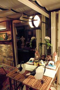 各種撮影 レンタルハウススタジオ 横浜ハウス オブ ハリウッド テラスルーム 作業テーブル