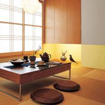 友人や家族と一緒に過ごすことが多い畳のお部屋は明るめのトーンで楽しい雰囲気に