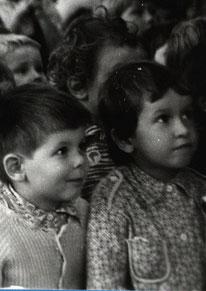 Перші глядачі новоутвореного театру
