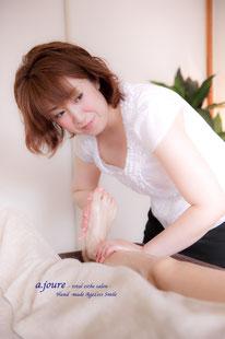 名古屋駅ボディ美脚足痩せリンパマッサージ足のむくみ冷え腰痛