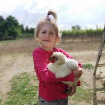 Luise mit Huhn